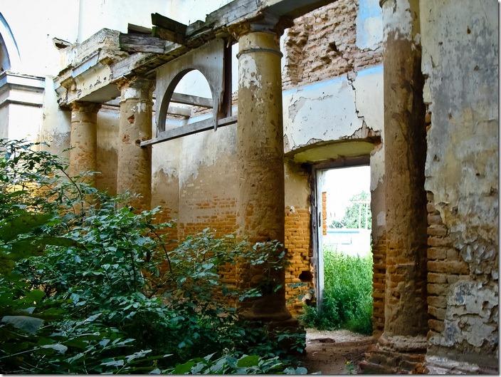 Невірків, домініканський костел